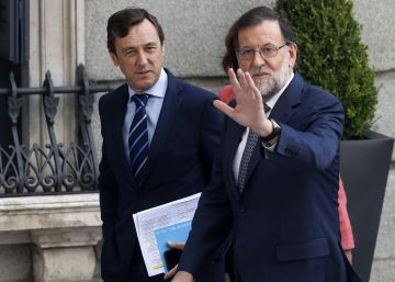 """Rajoy se reafirma ante los suyos: """"Tomaría las mismas decisiones"""""""