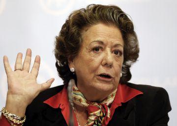 """Pablo Iglesias censura la """"indecencia"""" de Barberá por aferrarse al Senado"""