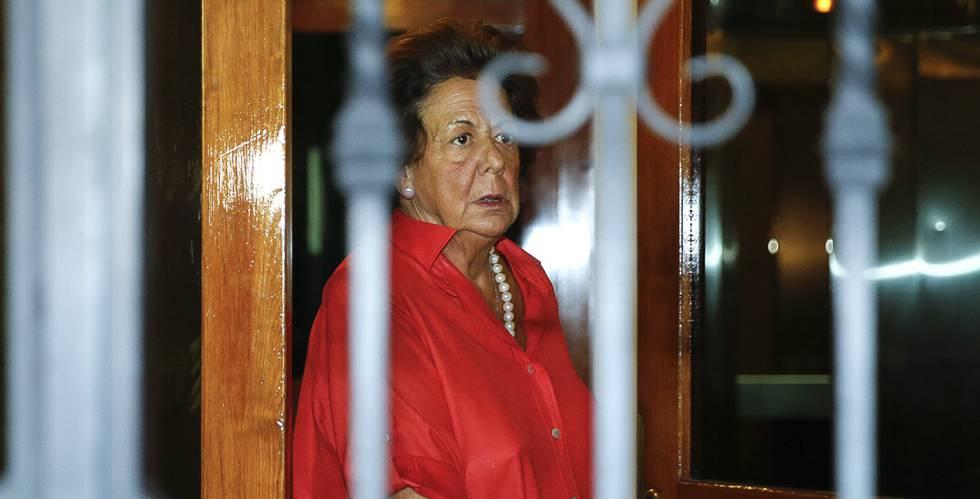Rita Barberá a la salida de su casa este miércoles.