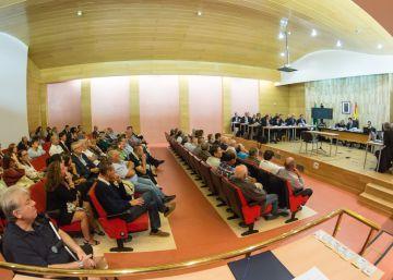 Tres imputados por el 'fraude de la Alhambra' aceptan ir a prisión