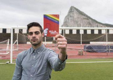 El árbitro que confesó ser gay está bajo protección por amenazas de muerte
