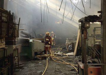 Al menos cinco heridos en una explosión en una fábrica en Valencia
