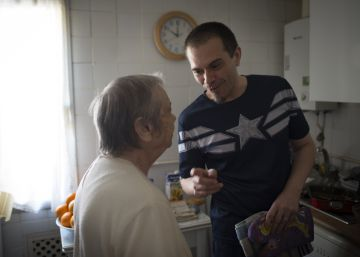 Vivir el alzhéimer entre cuatro paredes
