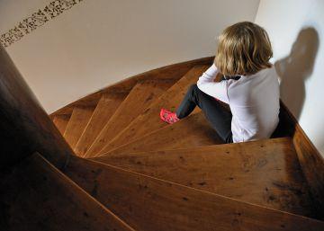 La juez reabre el caso de la niña que grabó al padre para denunciar abusos