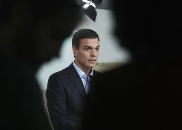 Una mayoría de voces se pronuncia contra Sánchez en el grupo parlamentario