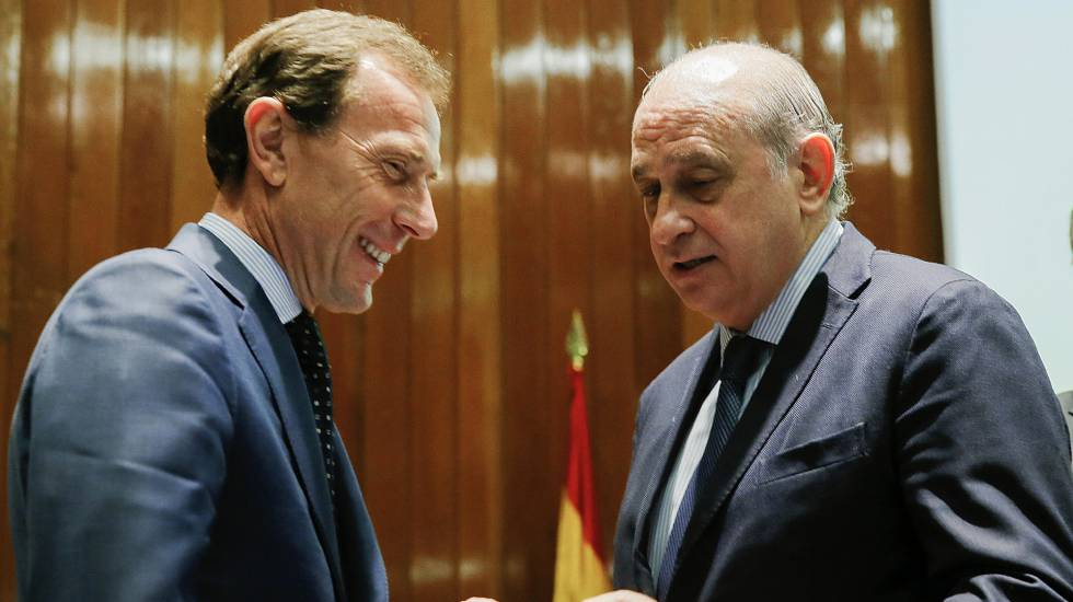 El congreso aprueba investigar al ministerio del interior for Ministro del interior espana 2016