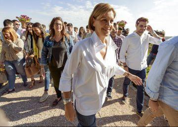 Rajoy mantiene su oferta de pactos a la espera de la gestora del PSOE