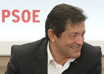 """Javier Fernández: """"La política exige convivir con la decepción"""""""