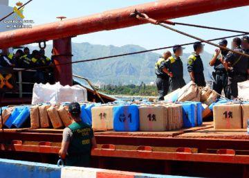 Cien detenidos al caer una red con cerca de 100.000 kilos de hachís