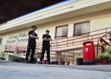 Dos profesores vigilaban el patio del colegio durante la agresión
