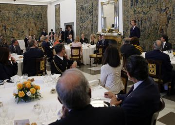 Los protagonistas de la investidura coinciden en el Palacio Real