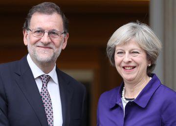 Rajoy elude reivindicar Gibraltar ante su homóloga británica