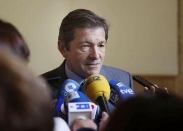 La gestora del PSOE avanza con cautela hacia la abstención