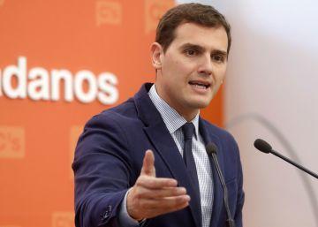"""Rivera tilda de """"complejos"""" y """"alergias"""" la oposición de Iceta a pactar con el PP"""