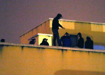El 50% de los internos en los CIE tiene antecedentes policiales