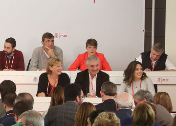 El PSOE decide abstenerse en segunda votación a la investidura de Rajoy
