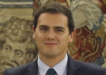 """Rivera confirma que apoyará a Rajoy y pide un diálogo """"permanente"""""""