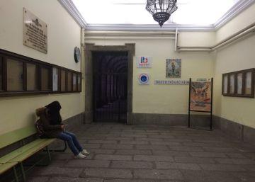 Solo los alumnos de secundaria han entrado a las clases del IES San Isidro de Madrid.