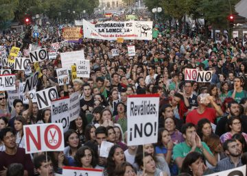 Rajoy backtracks on Spain's controversial school-leaver exams