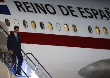 El Gobierno envía un segundo avión para que el Rey regrese a tiempo