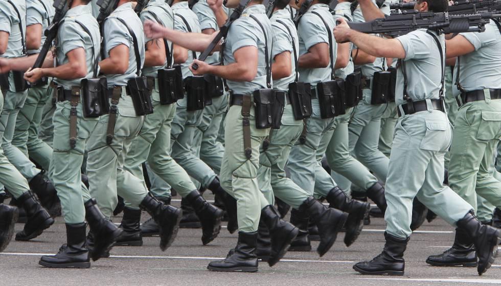 Legionario en el desfile de la Fiesta Nacional en Madrid.