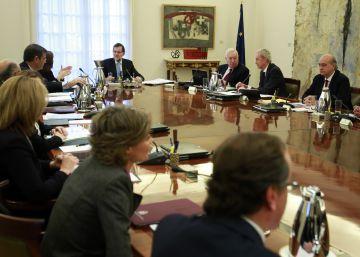 Rajoy comunica a Margallo, Morenés y Fernández Díaz que no cuenta con ellos