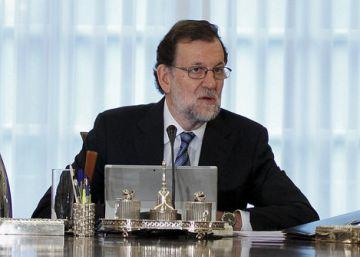 """Rajoy felicita a Donald Trump y el PSOE expresa su """"preocupación"""""""