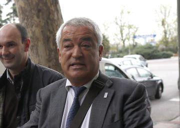El juez imputa a un patrono de Unicaja por el chivatazo del 'caso Ausbanc'