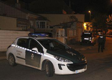 Un hombre vigilado por maltrato mata a hachazos a su exmujer y se ahorca en León