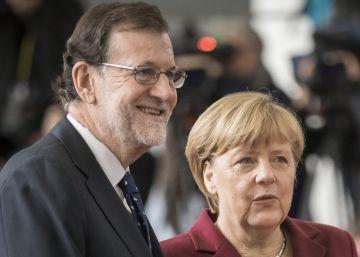 """Merkel a Rajoy: """"Mariano, en Alemania diríamos que tienes la piel de elefante"""""""
