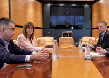 El PNV y el PSE pactan reformar el Estatuto vasco en el plazo de ocho meses