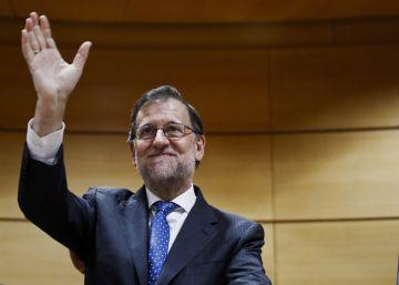Rajoy inaugura su Gobierno en minoría ofreciendo pactar las políticas sociales