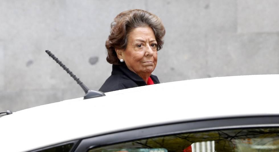 La senadora Rita Barberá llega al Tribunal Supremo a declarar por las presuntas irregularidades del PP de Valencia.