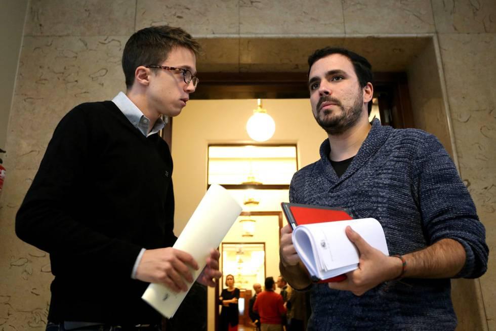 El portavoz de Podemos, Íñigo Errejon, y Alberto Garzon.