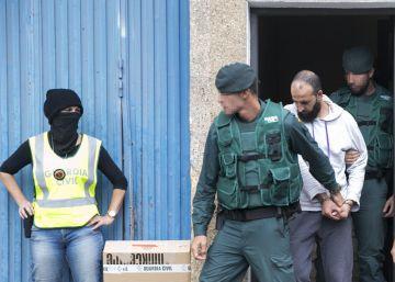 Detenidos cuatro yihadistas en A Coruña y Almería vinculados a las redes de inmigración