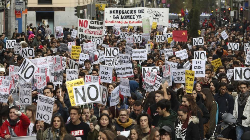 Manifestación entre Atocha y la Puerta del Sol convocada por el Sindicato de Estudiantes.