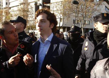 El juez Zamarriego retira otra vez el pasaporte al Pequeño Nicolás