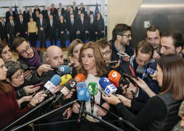 Díaz realza su perfil político en Bruselas y carga contra los recortes