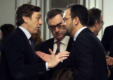Los pactos entre PP y PSOE aislan a Podemos y Ciudadanos