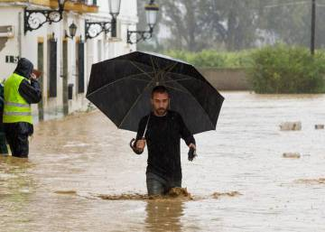 Dos personas mueren en Málaga y Cádiz en las riadas por las fuertes lluvias