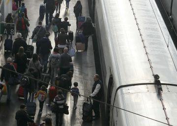 Una avería causa retrasos en la salida de trenes AVE desde Madrid