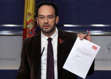 El PSOE apoya rebajar la batalla jurídica con Cataluña aunque lo ve insuficiente