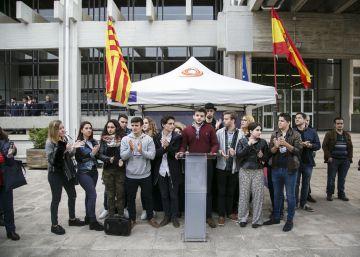 El independentismo radical hostiga a los antisecesionistas