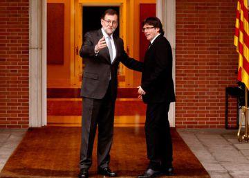 Rajoy ya ha hablado con Puigdemont y no ve viable la reforma constitucional