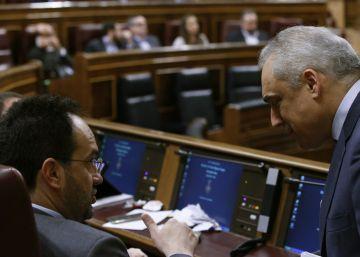 El PSOE frena la autorización de actividades de los diputados