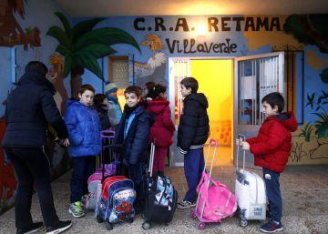 Pocos niños y maestros cercanos, el secreto de una escuela de pueblo