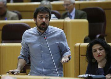 Espinar pondrá su portavocía en el Senado a disposición del ganador