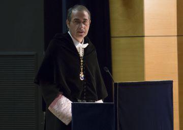 Defensores del rector acusado de plagio piden apoyo a los profesores
