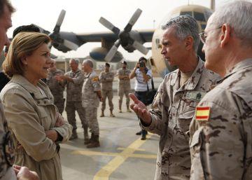 La gira de Cospedal por los frentes del ejército español