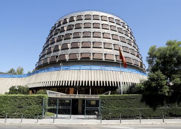 Spain's Constitutional Court rules political party members must toe line